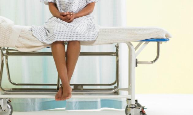 Сколько идут выделения после выскабливания замершей беременности